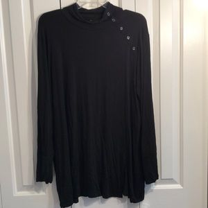 Chico zenergy size 3 black tunic button detail
